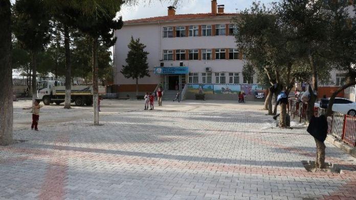 Merkezefendi'de Okul Bahçeleri Düzenleniyor