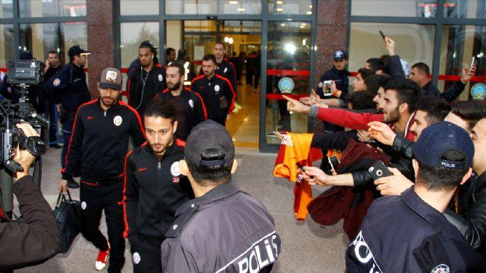 Galatasaray kafilesi Gaziantep'e geldi