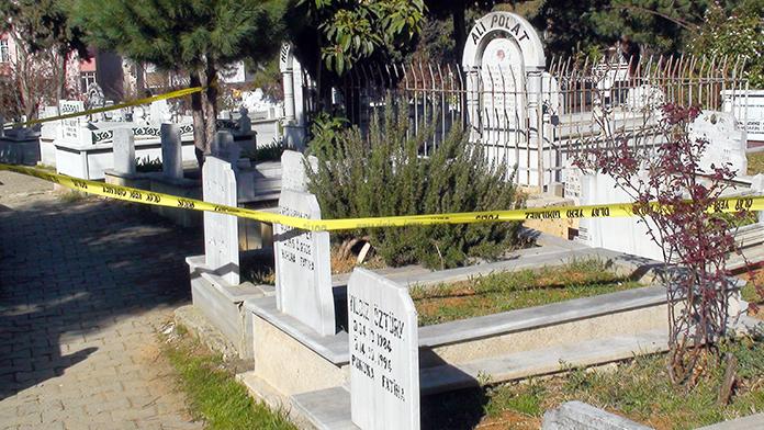 Van'da mezarlıkta ceset bulundu