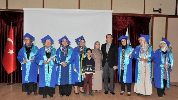 Van'da 'Anne Üniversitesi' Projesi Mezuniyet Töreni