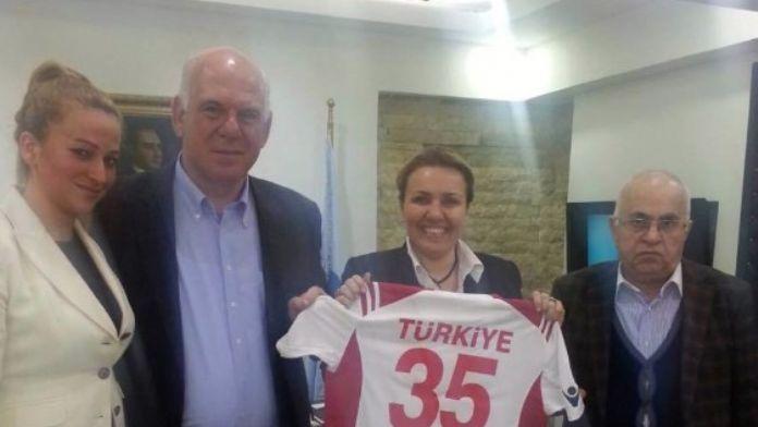 Hentbol Federasyonu Başkanı'ndan Urla Ziyareti