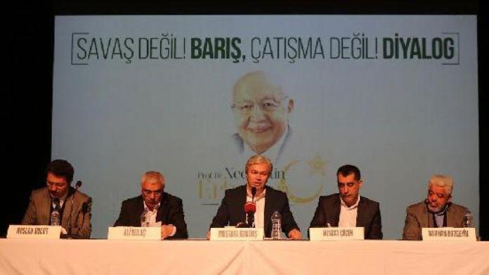 Erbakan 'Savaş Değil Barış, Çatışma Değil Diyalog' panelinde anıldı