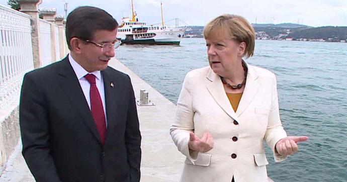 Davutoğlu ve Merkel Suriye Mesaisinde