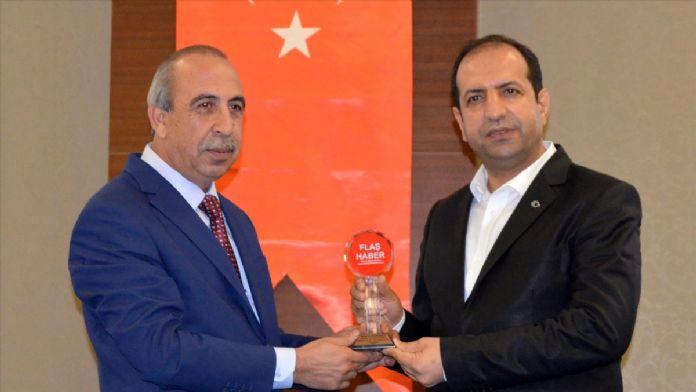 Bakan Tüfenci'ye 'Yılın Siyaset Adamı' ödülü