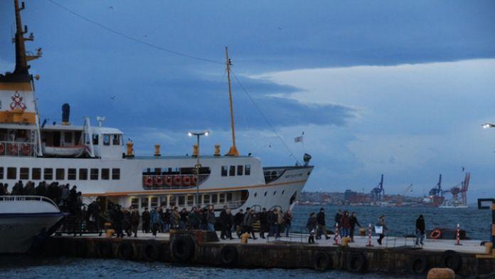 İstanbul'da tüm şehir vapur hatları seferleri iptal