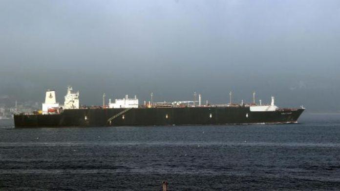 Doğalgaz tankeri, Çanakkale Boğazı'nı kapattı