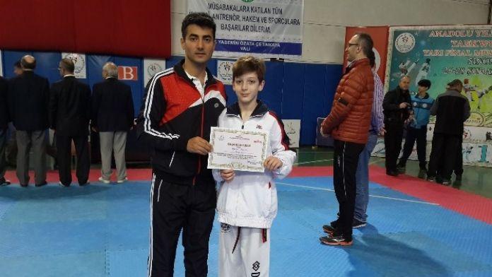 Taekwondoda Oğuzhan Finalde