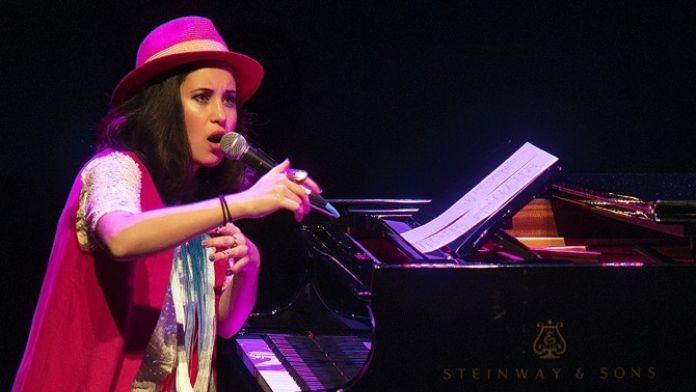 Dünya Sahnelerinde Sıra Dışı Tarzıyla Tanınan Karsu, 'Dünya Böbrek Günü'nde Konser Verecek