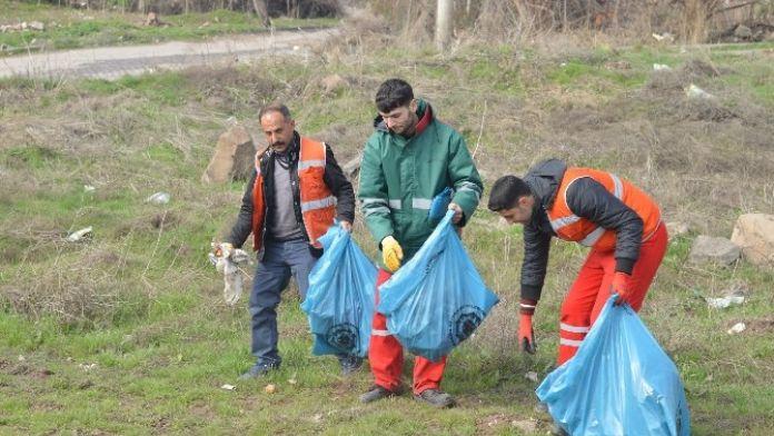 Diyarbakır'da Kent Girişleri Temizleniyor