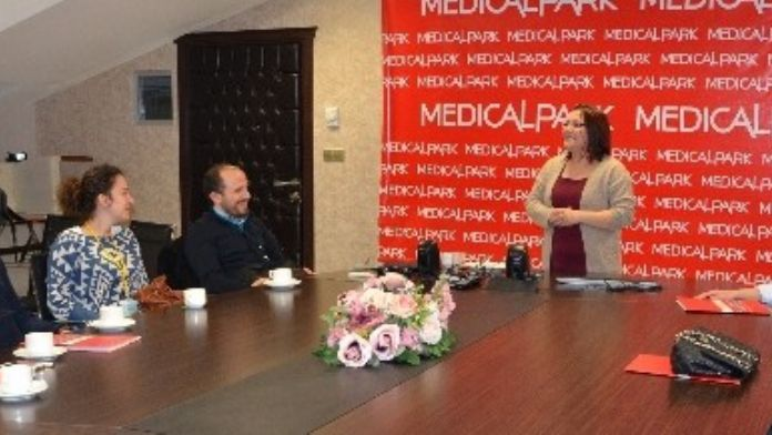 Medical Park'ta 'Ebeveyn Adayları İçin Evlilik Okulu'