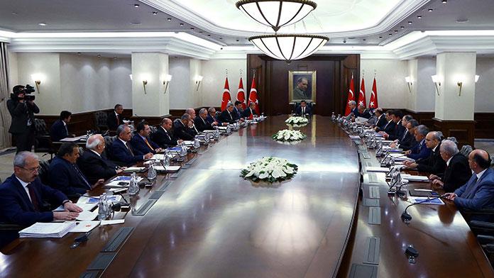 Kritik Bakanlar Kurulu Toplantısı Başladı !