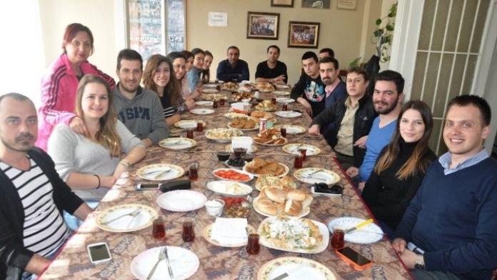 Sekiz İlçenin CHP'li Gençleri Ödemiş'te Buluştu