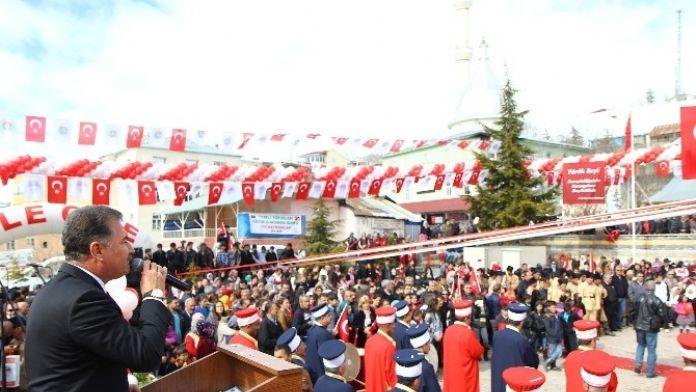Başkan Tuna, Arslanköy'ün Kurtuluşunun Yıldönümünü Kutladı