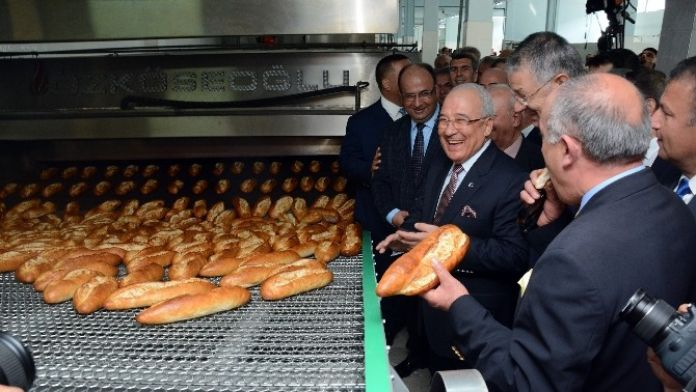 Halk Ekmek Fabrikası Hizmete Girdi