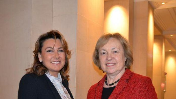 Almanya Devlet Bakanı Maria Böhmer ve Arzuhan Doğan Yalçındağ Berlin'de biraraya geldi...