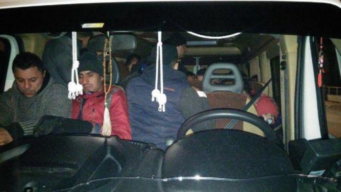 Edirne'de 131 Suriyeli yakalandı, 5 organizatör tutuklandı