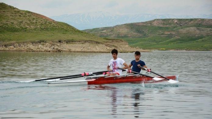 İlk Kez Şampiyonaya Katılan Adıyamanlı Gençler Madalyaları Topladı