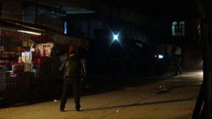 Polis araçlarına silahlı saldırı