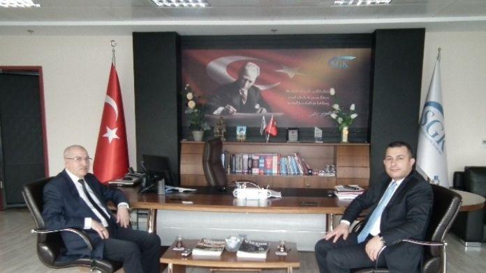 Kaymakam Şahin SGK Müdürü Tümsek'i Ziyaret Etti