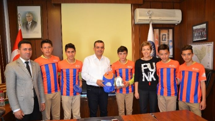 Büyükşehir'den Alanya'daki Okullara Spor Malzemesi