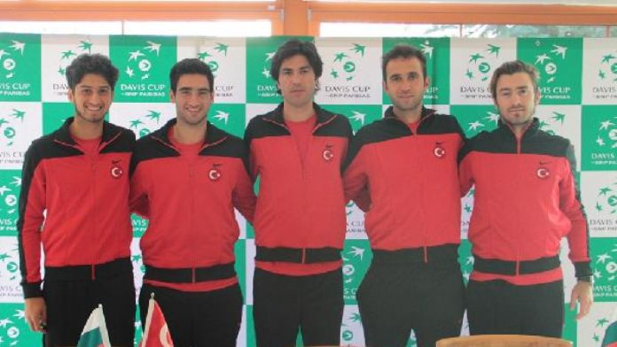 Teniste Türkiye, Bulgaristan karşısında