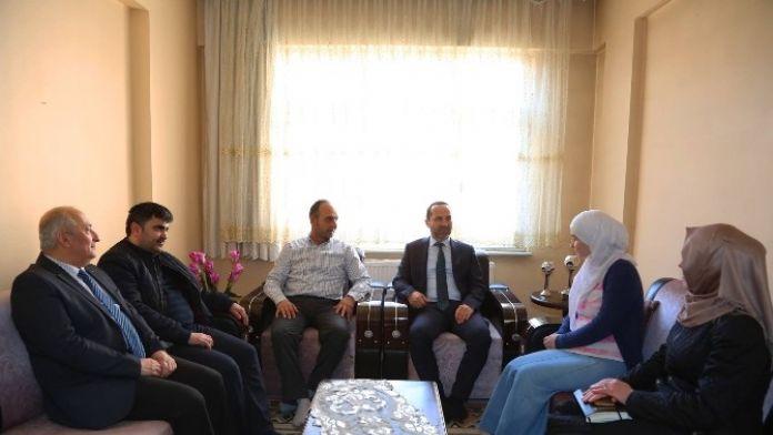 Başkan Çamyar'dan Suriyeli Ailelere Ziyaret