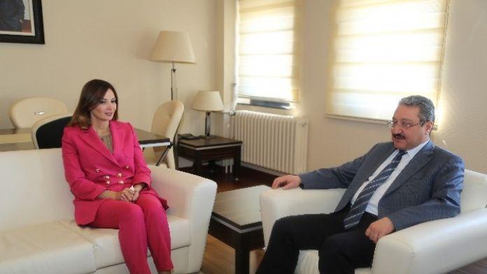Azerbaycan Milletvekilinden Rektör Güven'e Ziyaret