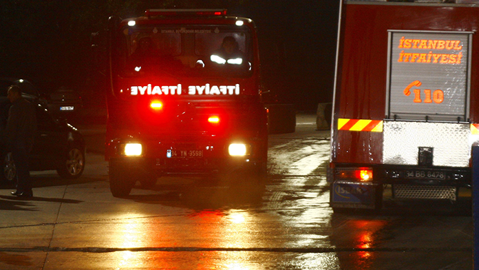 Diyarbakır'da el yapımı bomba patladı ölü ve yaralılar var