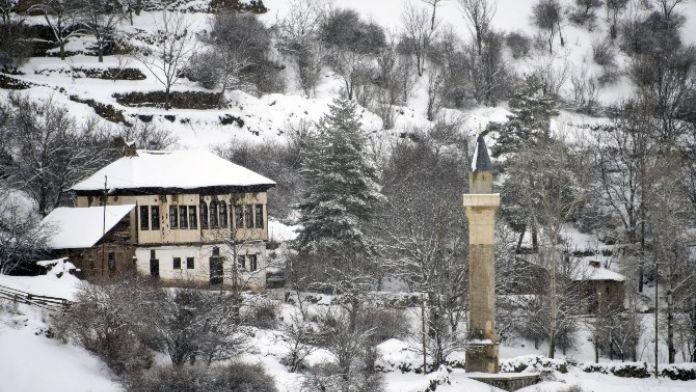 Tarihi Minareler Camilerine Kavuşacak