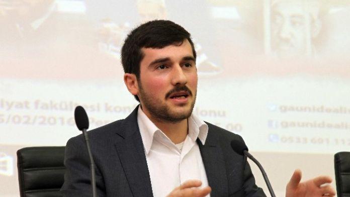 GAÜN'de 'Şehadet Mevsimidir Şubat' Konferansı Verildi