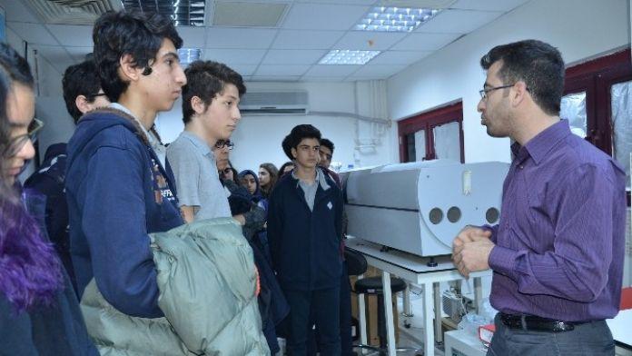 Lise Öğrencilerinden DÜ Araştırma Laboratuvarlarına Yoğun İlgi