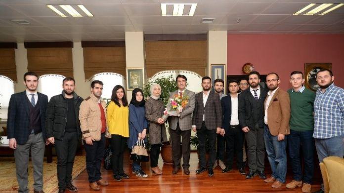 AK Partili Gençlerden Dündar'a Ziyaret