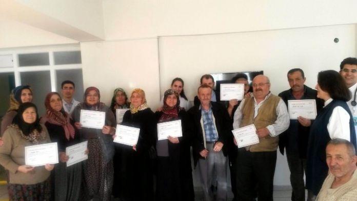Beyşehir'de Diyabet Okulu Mezunlarına Sertifikaları Verildi