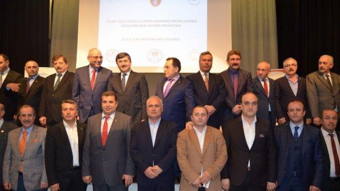Trabzon'da Şoför Esnafına Davranış Eğitimi Veriliyor