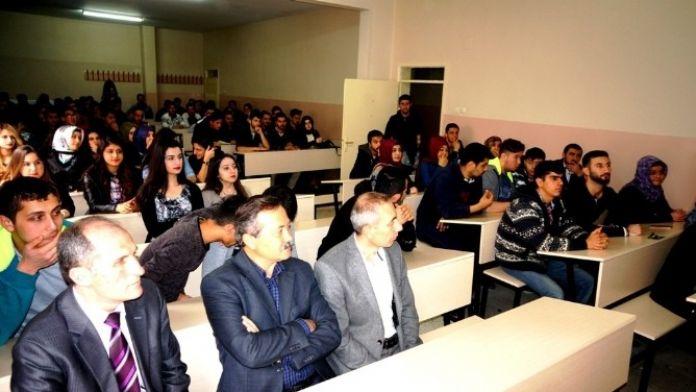 Sarıgöl MYO'da Mevlana Konferansı