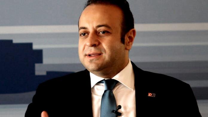Türkiye'yi eleştiren yazara kendi gazetesinden cevap
