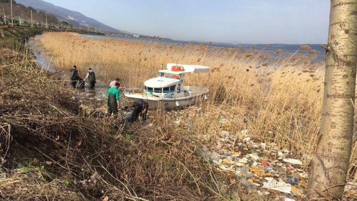 SASKİ Göl Kıyısını Temizliyor