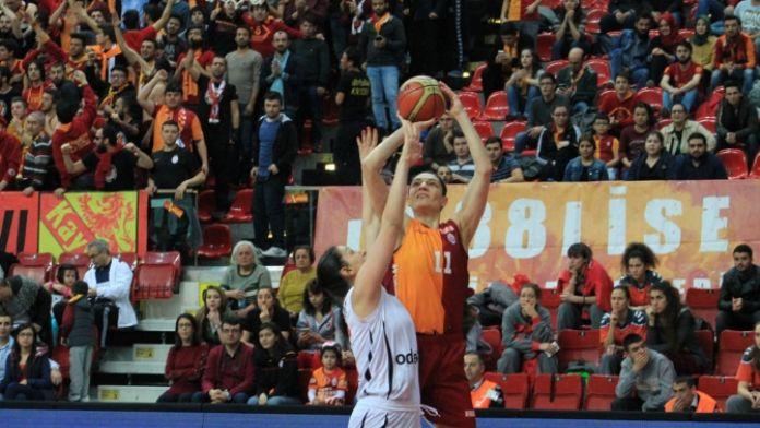 Galatasaray farklı yendi