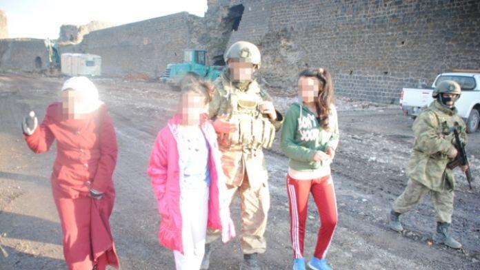 Sur'dan 11 kişi tahliye edildi