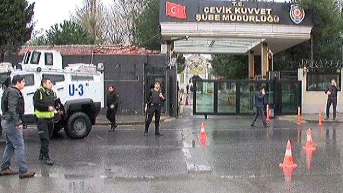 Çevik kuvvete saldıran teröristler kıstırıldı
