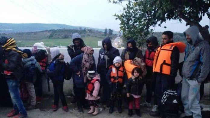 Botun motoru arızalanınca, mülteciler kıyıda yakalandı