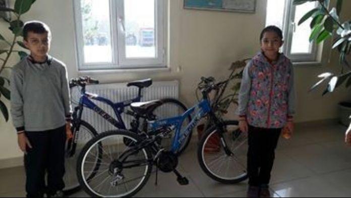 Yaz Kuran Kurslarını Birincilikle Bitirenlere Bisiklet Hediye Edildi