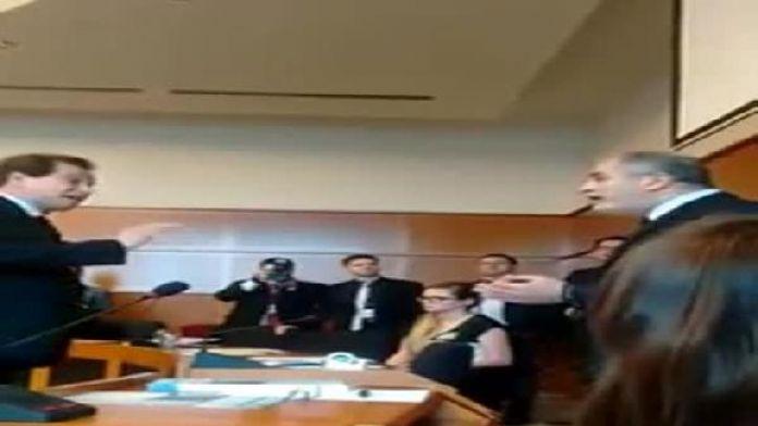 Neo Naziler Avrupa parlamentosu toplantısını bastılar