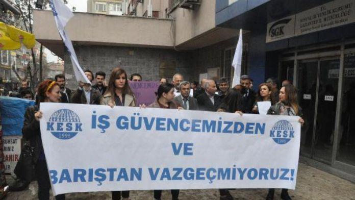 Gaziantep'te kadınlardan SGK önünde eylem