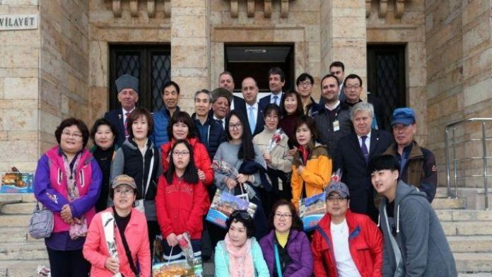 Güney Koreli Turist Kafilesinden Amasya Valiliği'ne Ziyaret