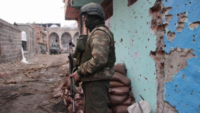 Sur'da çatışma: 4 asker yaralı