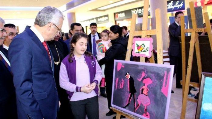 Çankırı'da Öğrenciler Resim Sergisi Açtı