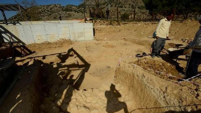 Iron Age artifacts found in Pamukkale