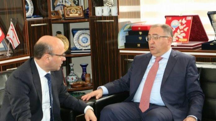 Başkan Metin Oral Ziyaretçileri Ağırladı