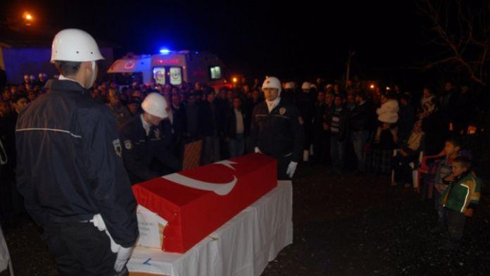Diyarbakır şehidini 'Kahrolsun PKK' sloganı ile uğurladı